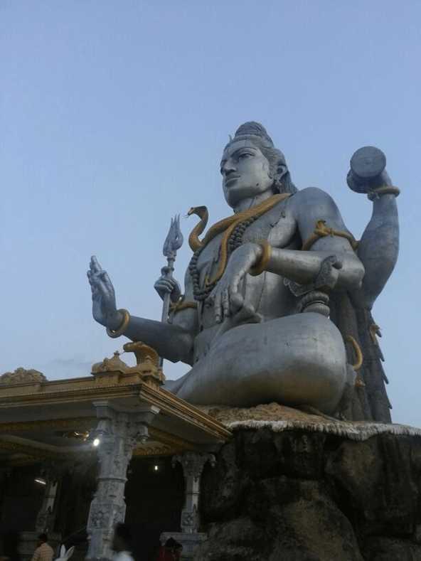 Lord Shiva's huge statue, Murudeshwara, Karnataka: World's second tallest Shiva statue